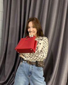Tweets con contenido multimedia de misa •ᴗ• (@misayeon) / Twitter Extended Play, South Korean Girls, Korean Girl Groups, Nayeon Twice, Im Nayeon, Dahyun, One In A Million, Kpop Girls, My Girl