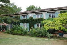 GREAT DEAL! Old family house in pleasant surroundings with beautiful view on vineyards.  €340,000/£271,558