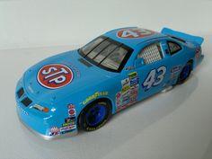 1/24 Pontiac Grand Prix #43 - Mattel