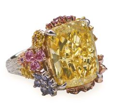 Holly Madison two-million dollar ring V6 by Layna & Alan Friedman Beverly Hills