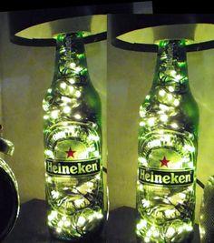 Como fazer luminaria com garrafa de cerveja Bottle Art, Bottle Crafts, Beer Bottle, Man Cave Diy, Man Cave Home Bar, Liquor Bottles, Glass Bottles, Liquor Bottle Lights, Cut Bottles