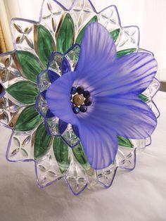 garden art glass plate flower, sun-catcher, yard art, repurposed glass, vintage glass recycled,home outdoor decor, glass garden gift, flower