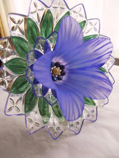 Garden art glass plate flower, sun-catcher, yard art, repurposed glass, vintage…