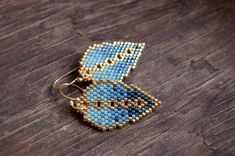 YumOmbre Leaves – Forest Fog – Earrings, dangle, gold plated sterling silver – Jewelry And Accessories Seed Bead Earrings, Feather Earrings, Beaded Earrings, Beaded Jewelry, Women's Jewelry, Jewelry Bracelets, Jewelry Trends, Jewellery, Brick Stitch Earrings