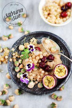 Amaranth Porridge mit Ananaserdbeeren