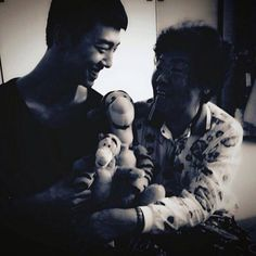 Bang Young Guk uploaded this picture of him, Tigger, and his grandmother to his Instagram. awwwww!!!!! :D
