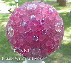 art diy Garden Art DIY: Make your own decorative garden balls ---- make some in green to hide in the garden Bowling Ball Crafts, Bowling Ball Art, Outdoor Crafts, Outdoor Art, Outdoor Gardens, Garden Crafts, Garden Projects, Garden Tips, Art Projects