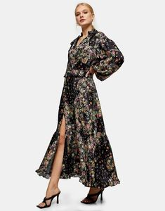 Wondering what to wear to a spring wedding? We've got all the 2021 trends and 50 spring wedding guest dresses to get you started. High Street Fashion, Long Sleeve Maxi, Maxi Dress With Sleeves, Topshop, Style Magazin, Cocktail Attire, Curvy Dress, Butterfly Dress, Floral Print Maxi Dress