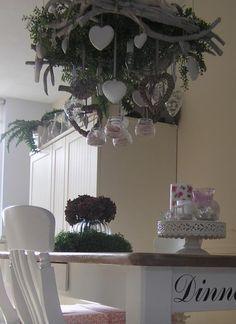Harten  --- chandelier heart decorations