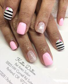 Pink nails nail art