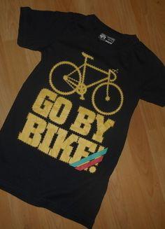 Kaufe meinen Artikel bei #Mamikreisel http://www.mamikreisel.de/kleidung-fur-jungs/kurzarmelige-t-shirts/30278174-t-shirt-gr-146-152-dognose-guter-zustand
