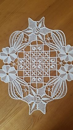 Bello Crochet Tablecloth, Crochet Doilies, Bruges Lace, Romanian Lace, Point Lace, Needle Lace, Filet Crochet, Projects To Try, Crafty