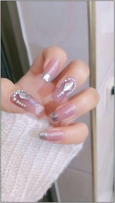 ネイルサマーネイルアート> The 33 pretty nail art designs that perfect for spring looks 1 en 2020 Nail Art Designs Videos, Diy Nail Designs, Acrylic Nail Designs, Acrylic Nails, Acrylics, Bling Nails, Diy Nails, Glitter Nails, Glitter French Nails