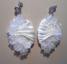 Luna gioielli - Orecchini in seta shibori, bride,  shibori silk earrings, guarda questo articolo nel mio negozio Etsy https://www.etsy.com/it/listing/458217808/orecchini-shibori-con-cristalli
