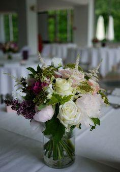 lilas, lisianthus, pivoine, rose, scabieuse, viburnum