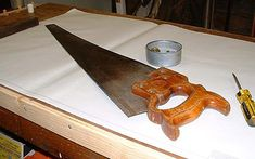 Handsaw Blade Cleaning by Bob Sturgeon - Restoring vintage and antique woodworking tools - wkFineTools.com