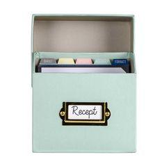 Receptbox RECEPT turkos. . Receptbox med 50 receptkort. Boxen är gjord av 80% återvunnet papper.