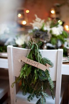 Last Trending Get all christmas wedding decorations Viral wedding table christmas Noel Christmas, Green Christmas, Rustic Christmas, Winter Christmas, All Things Christmas, Christmas Crafts, Christmas Chair, Christmas Ideas, Christmas Greenery