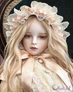 「人・形」展、搬入して参りました😁💨 タイトル:fleurir~フルリール フランス語で「花が咲く」という意味だそうです💐 . . 「人・形」展は明日からです! 是非見にいらしてください〜🙇🏻♀️ . .…