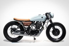 Yamaha SR400 – BlueGreen by Sports Custom, Thailand