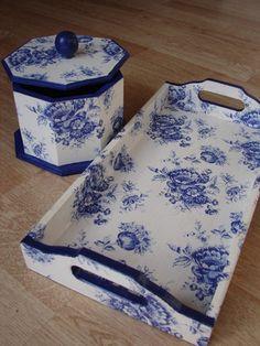 Juego Floral Azul con Algodonera Octagonal