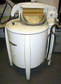 Vintage 1940's Speed Queen Washing Machine