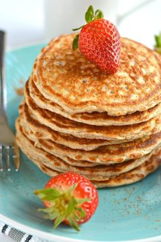 Cottage Cheese Pancakes made with 4 healthy ingredients, low calorie & crazy delicious. These protein pancakes are soon to be your new breakfast favorite!
