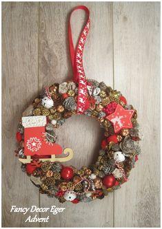 Christmas Wreaths, Christmas Decorations, Holiday Decor, Fancy, Home Decor, Decoration Home, Room Decor, Home Interior Design, Christmas Decor