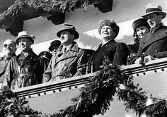 adolfi: Opening of the Olympic games 1936 in Garmisch-Partenkirchen, from left to right Dr. Hans Lammers, Adolf Hitler, Hermann and Emmy Goering, Joseph Goebbels - February 1936 Joseph Goebbels, Workers Party, German People, The Third Reich, Marilyn Monroe Photos, Vintage Movies, Olympic Games, Bavaria