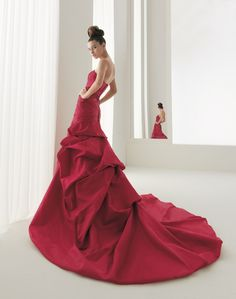 Aire Barcelona 2009 - red wedding dress