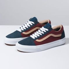Browse bestselling Shoes at Vans including Men's Classics, Slip-On, Surf, BMX, Pro Skate Shoes and Sandals. Shop at Vans today! Moda Sneakers, Sneakers Mode, Vans Sneakers, Sneakers Fashion, Fashion Shoes, Latex Fashion, Fashion Vintage, Gothic Fashion, Fashion Men