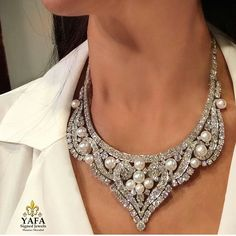 @yafasignedjewels. The genius of #DavidWebb ... diamond and pearl necklace that can be worn as a tiara on those #Queen days!