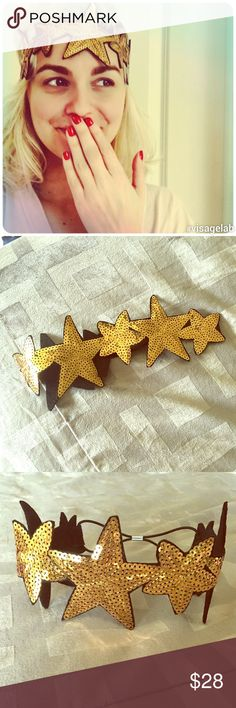 Star crown headband Wonder Woman? 1920's party? Tuesday night? Feel sparkling in this really fun headband! ✨ Accessories Hair Accessories