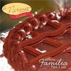 Bolo Prestígio: Pão de ló de chocolate molhadinho, recheado com doce de coco. Cobertura de brigadeiro e flocos de coco.  #love #DiNorma #curta #siga e #compartilhe