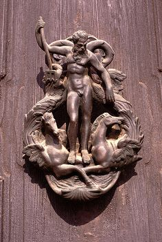 ♅ Detailed Doors to Drool Over ♅ art photographs of door knockers, hardware & portals - Poseidon - Venetian Door Knocker Door Knockers Unique, Door Knobs And Knockers, Knobs And Handles, Door Handles, Cool Doors, Unique Doors, The Doors, Windows And Doors, Front Doors