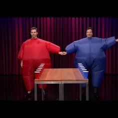 Fun dance moves from Jimmy Fallon and Chris Pine!