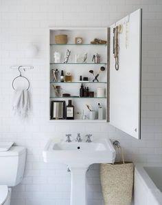 decoralinks | armario vintage botiquin recuperado - bathroom
