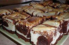 Jednoduché a chutné! Tvaroh a čokoláda - výborná kombinácia chuti. A pritom ešte aj dobre vyzerá. Mňamka! Sweet Desserts, Easy Desserts, Sweet Recipes, Dessert Recipes, Czech Recipes, Cake Bars, Sweet Cakes, Pavlova, Something Sweet