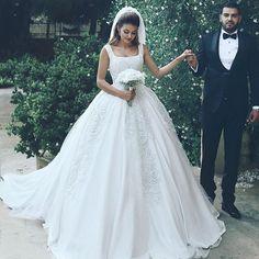 ⚜ #sehergelinlik #gelin #gelinlik #gelinlikler #ankara #ankaragelinlik #düğün #düğünhazırlıkları #dantel #dantelligelinlik #dantelgelinlik #sadegelinlik #wedding #weddingdress # #vintage #vintagebride #vintagebridal #bridal #bride #bridegown #bridalgown #bridetobe #prenses #prensesgelinlik #nikahkiyafeti #nikahelbisesi #iştebenimstilim #düğünfotoğrafçısı #dönemgelinliği