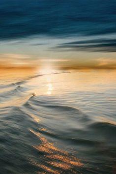 Pin do(a) jillie em beauty earth фотография заката, радуга e Nature Pictures, Cool Pictures, Beautiful Pictures, Waves After Waves, Ocean Waves, Chat Oriental, Dawn And Dusk, Beautiful Sunrise, Flowers Nature