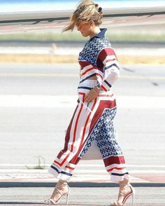 Striped Pants, Jennifer Lopez, Fashion, Moda, Stripped Pants, Fashion Styles, Jenifer Lopes, Striped Shorts, Fashion Illustrations