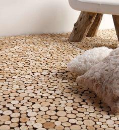 Heel erg apart.    Vloertegels van drijfhout van Bleu Nature. #floor #vloer