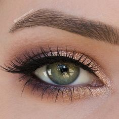 New look using @tartecosmetics holidaze light of the party collector's set. Details: peach on earth shadow as the transition and mulled wine in the crease & outter v rum rum plum on the center lid baby it's gold outside over the center and inner eye same steps for lower lash line. Waterline is tarte blackened plum liner & I did like an ombré effect. Top liner: tarteist Clay paint liner. Brows: tarte brow Lashes: @lashesinabox no. 16. by iheartmakeupart