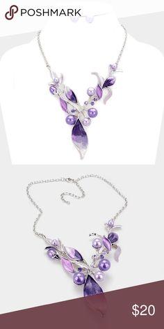 """Ombré Leaf Vine Necklace Set • Theme : Flower & Leaf, Pearl  • Necklace Size : 18"""" + 3"""" L • Decor Size : 3"""" L  • Earrings Size : 0.5"""" L • Pearl embellished ombre metal leaf vine necklace Jewelry Necklaces"""