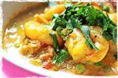 On craque pour le curry de crevettes dans ces 5 versions - 4 photos Fish Recipes, Paleo Recipes, Indian Food Recipes, Ethnic Recipes, My Favorite Food, Favorite Recipes, Cook N, Curry Shrimp, Thermomix Desserts