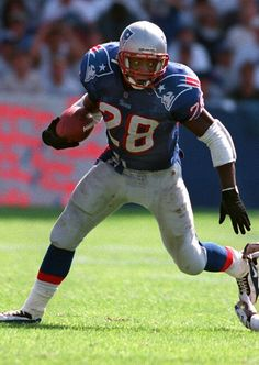 Curtis Martin another one should have retired a #Patriots with Haynes