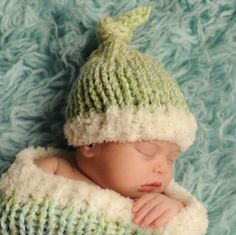 Free Knitting Pattern L20132 Sweet Dreams Baby Cocoon and Hat Set : Lion Brand Yarn Company