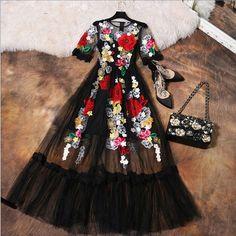 Vestido Nuevo 2017 Summer Fashion Designer Nueva Elegante Flor de lujo Bordado Apliques de Malla Negro Delgado Mujeres de La Vendimia Vestido Largo