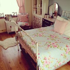 Girl's room - I used to have this bedding in high school! Love!