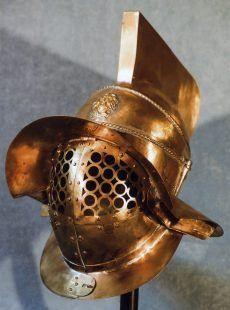 Ancient Rome, Ancient Art, Gladiator Armor, Roman Gladiators, Knight Armor, Arm Armor, Types Of Art, Headgear, Weapons